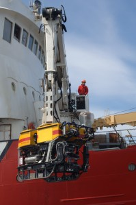 Deployment of the ROPOS from the research vessel CCGS Hudson.