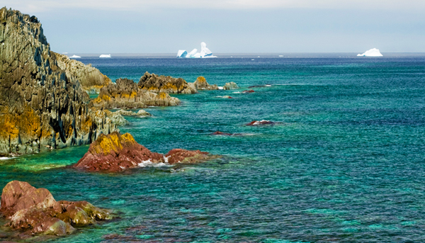 View of icebergs in the Atlantic Ocean, near the Bonavista Peninsula, Newfoundland and Labrador.