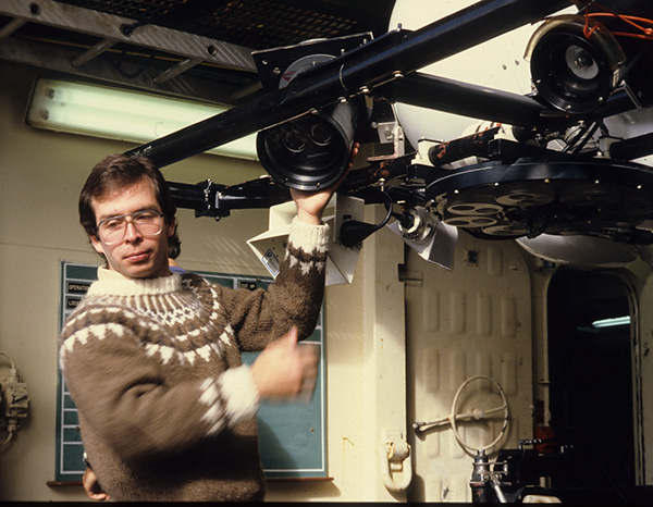 Jean-Marc Gagnon makes adjustments to a deep-sea camera in 1985.
